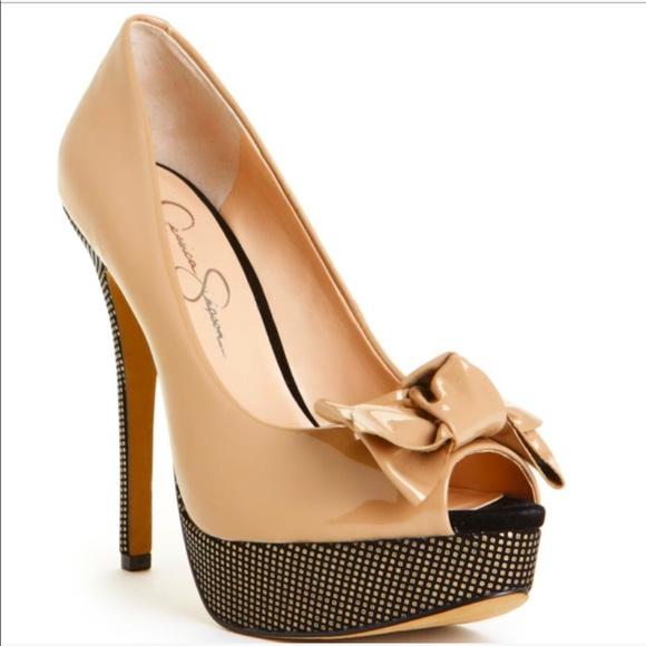 e401642396 Jessica Simpson Shoes - Jessica Simpson para nude patent peep toe pumps